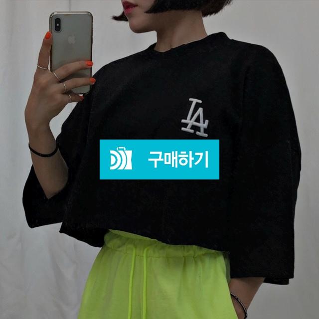 LA자수 루즈핏 크롭 티셔츠 / 루즈삐에르님의 스토어 / 디비디비 / 구매하기 / 특가할인