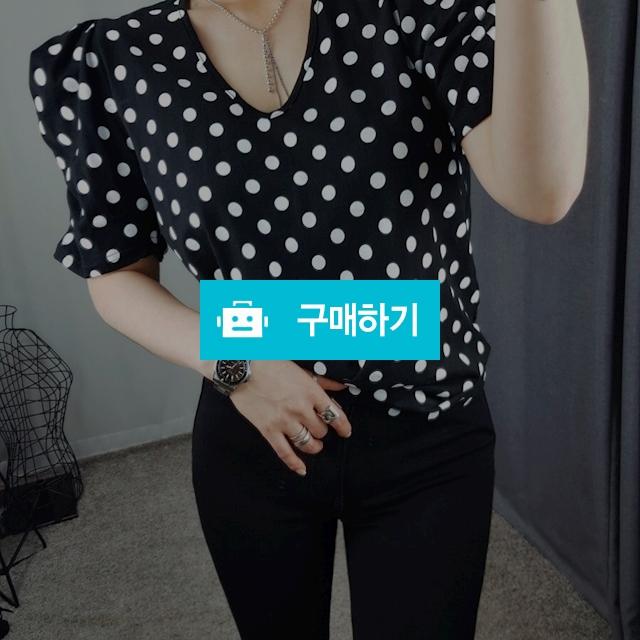 도트 브이넥 티 / 장위동홍당무님의 스토어 / 디비디비 / 구매하기 / 특가할인