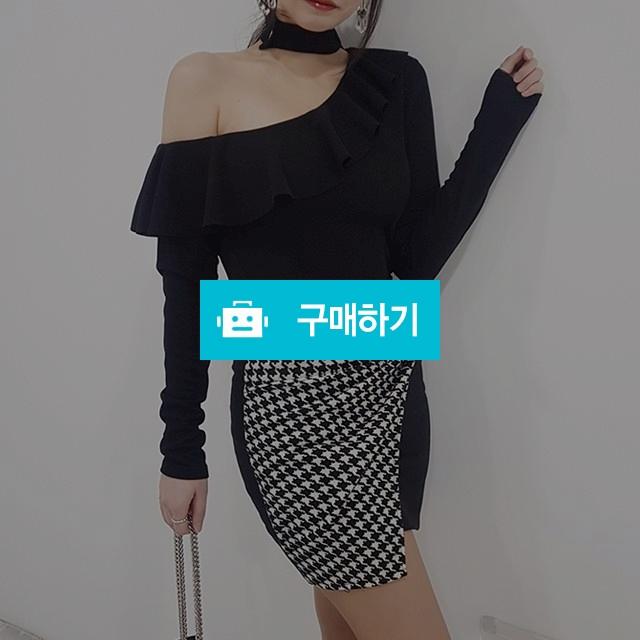 원 오프숄더 초커 프릴 티셔츠 / 마이곤 / 디비디비 / 구매하기 / 특가할인