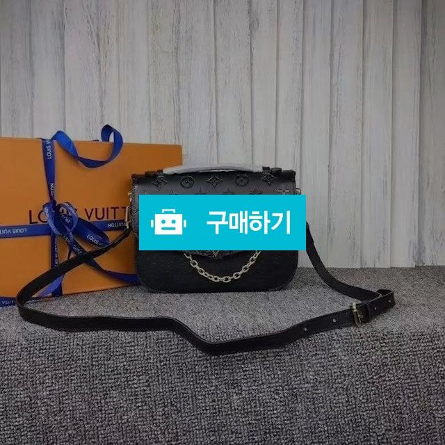 루이비통 2018  블랙 베리 메신저 백  / 럭소님의 스토어 / 디비디비 / 구매하기 / 특가할인