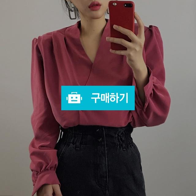 오버핏 브이넥 퍼프 셔츠블라우스 / 룩클로젯 / 디비디비 / 구매하기 / 특가할인